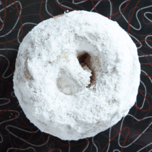 Big Pearl - Powdered sugar donut.